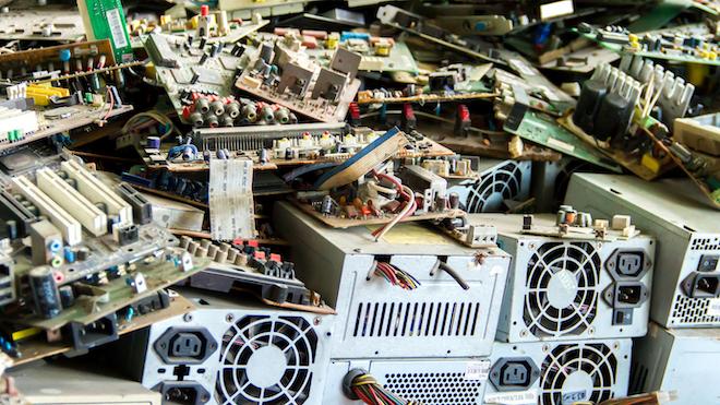 Electronics Junk 499432485